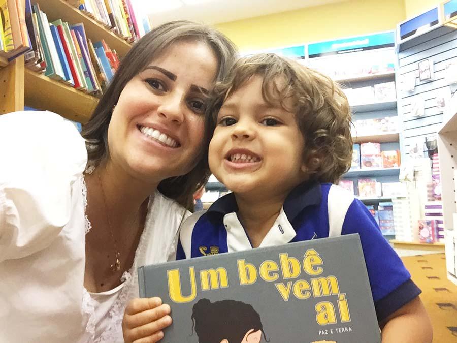 Livro Um bebê vem aí